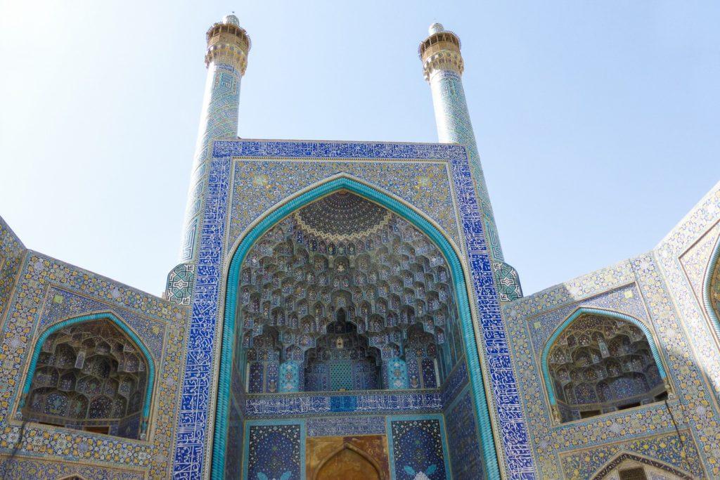 iran-voyages-interieurs-monument