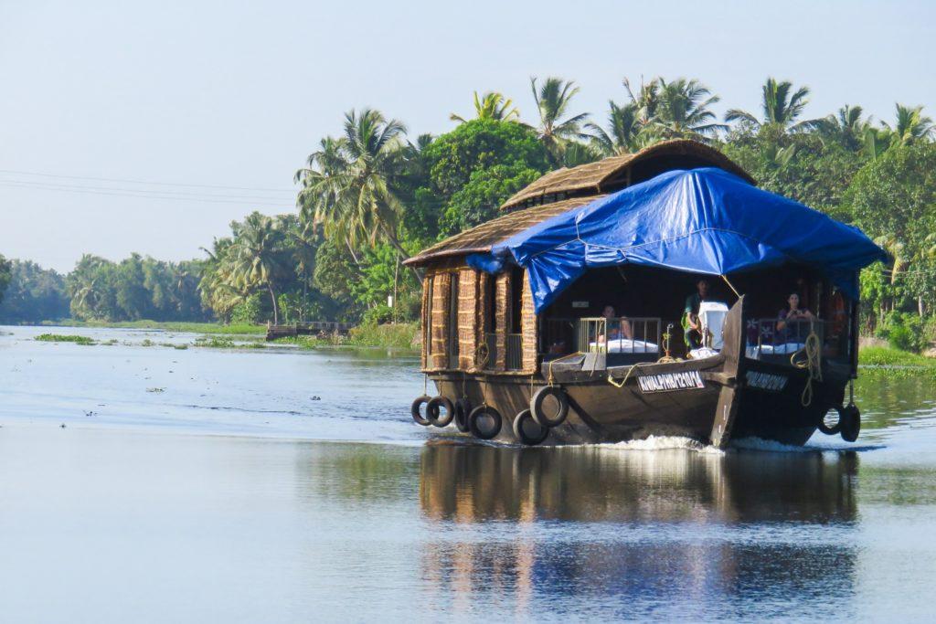 inde-du-sud-backwaters-cure-ayurvedique-voyage-spirituel