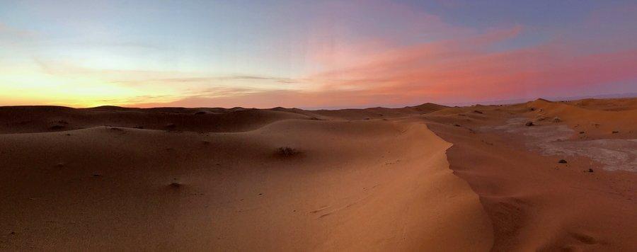 Développement personnel dans le désert marocain